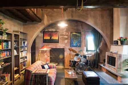 A loft inside a 18th century Sicilian winery - Villa