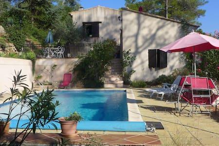 Chaleureuse maison avec sa piscine - Vidauban
