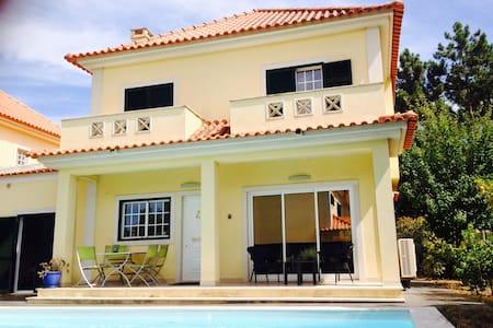 House Aroeira Lisbon near Beach - Aroeira
