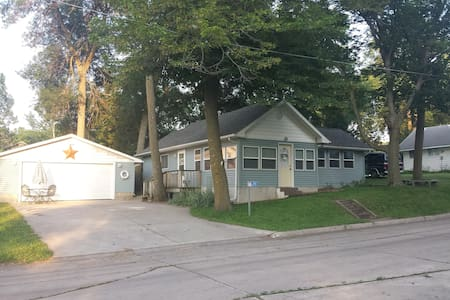 South Shore Cottage- Clear Lake, IA - Clear Lake
