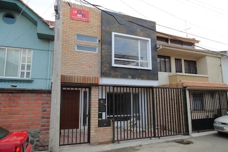 Room type: Entire home/apt Property type: House Accommodates: 2 Bedrooms: 2 Bathrooms: 2