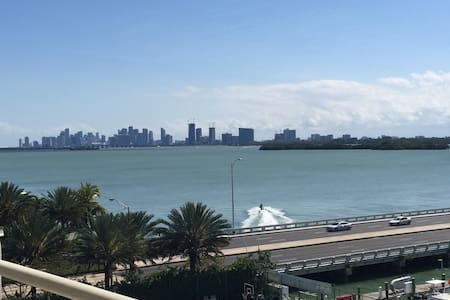 Bayshore Yacht and Tennis Club 1/1 Condo - North Bay Village