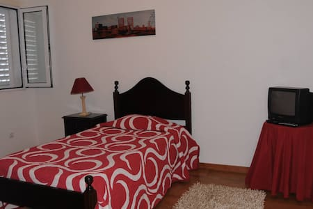Single Room - Bed & Breakfast