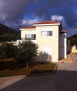 2BR Apartment- first floor close to Monemvasia - Monemvasia