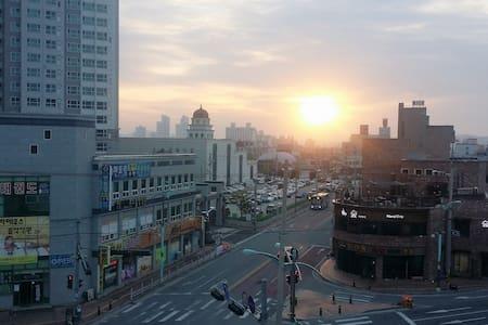 Conveniently located New & Mordern 연인과 가족을 위한 공간 - Gunsan-si - Apartment