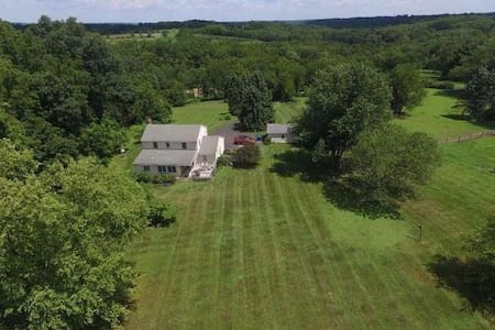 Park-like Setting at Charming Private Home - Ottsville - House