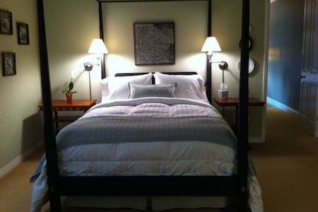 The Vineyard Retreat - Bed & Breakfast