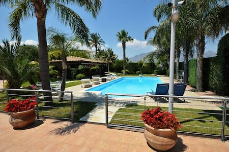Villa Palme with Pool for 12 People - Villa
