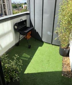Spacious & Relaxing City Centre flat with garden. - Lägenhet