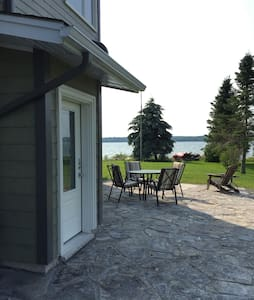 Waterfront 2 BR Apt on Georgian Bay