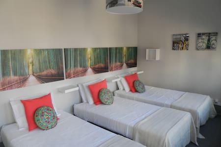 GuestHouse Antero de Quental - 1Bed - Porto - Bed & Breakfast