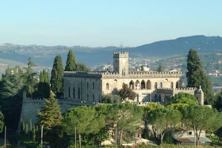 Castello di Badia - La Loggia - Castle