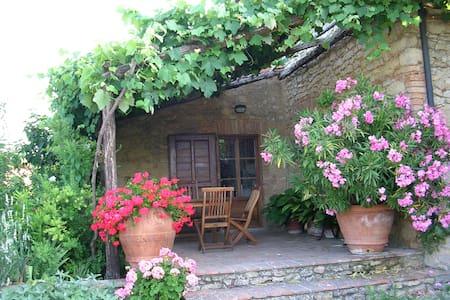 Le Pietraie, Pergola..with garden - Apartamento