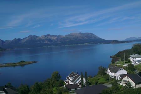 Stunning view in Harstad. - Harstad - Casa