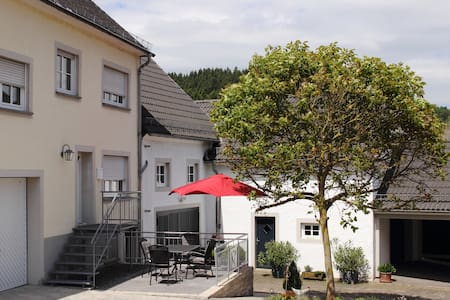 """Ferienhaus """"Alte Post"""" in Densborn - Densborn - Rumah"""