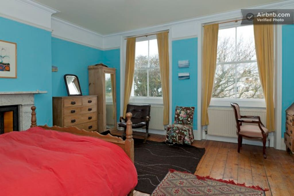 Large bright room with ensuite
