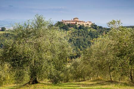Relax in the nature for the family - Murlo - Leilighet