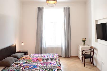 3-Zimmer Whg. im Herzen von München - Munich - Appartement