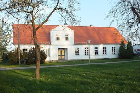 Landhaus in Vorpommern Greifwald - Krien - Casa