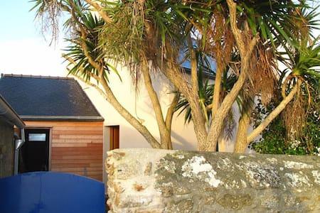 Ti-AMA, Maison vue mer, Lampaul, ile d'Ouessant - Casa