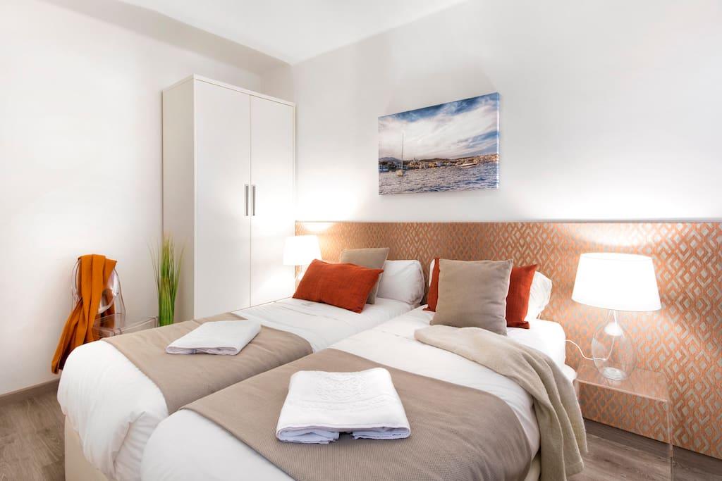 Small Comfy apartment (14B)