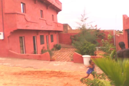 SUNUKEUR accueil chambres d'hôtes. - Mboro - House