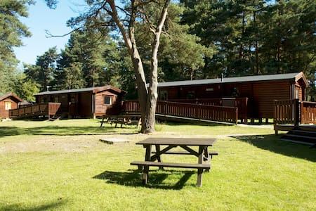 6 Berth Lodge - Monday to Friday - Stuga