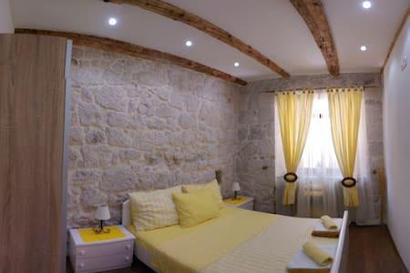 Beautiful Apartments in Gradac - Gradac - Talo