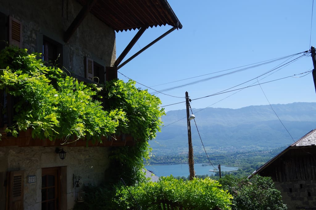Chambre jardin lac montagnes houses for rent in le for Jardin 2 montagnes