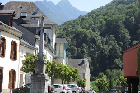 Joli T2 dans village authentique - Apartment