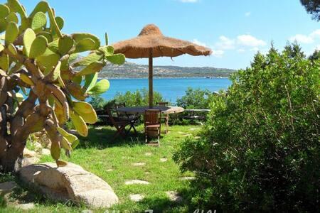 bellissima villa con accesso privato al mare - La Maddalena - Villa