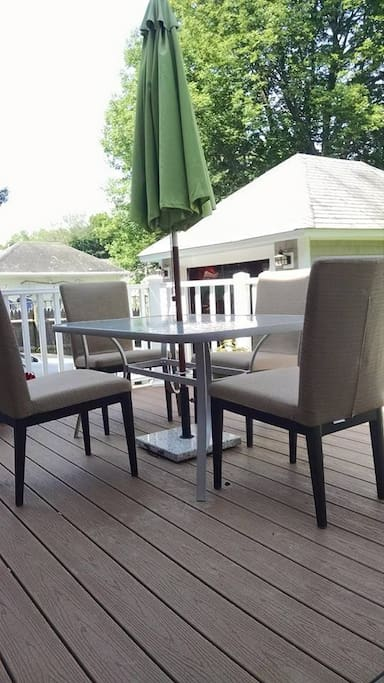 Our guests love to dine al fresco out on the back yard. The chairs are super comfy and the gas grill will make meal prep a cinch!