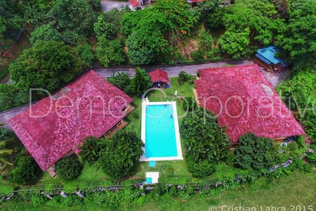 Lodge/Cabana en madera - Costa Rica - Santa Ana - Chalet