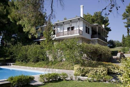 5 BD, Villa, Waterfront, Private pool - Villa