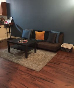 One Bedroom Mansion - Atlanta