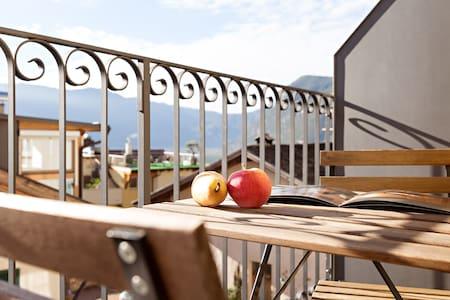 Neue Wohnung & historisches Gemäuer - Cortaccia - Wohnung