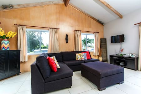 Maine Villa - Modern & Spacious in Muri Beach - Ngatangiia - House