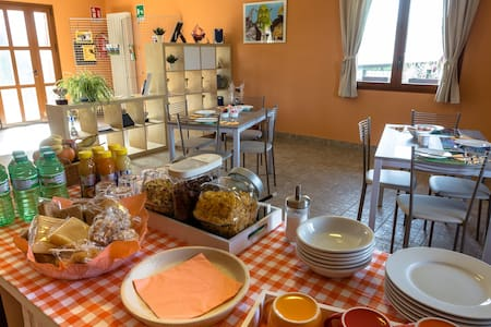 Appartamento adatto alle famiglie - Senna Comasco - Bed & Breakfast