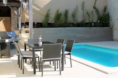 Vakantiehuis met zwembad en sauna - Couvignon - Hus