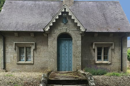 Fairytale Gate Lodge @ Borris House - House