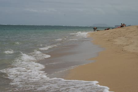 30 Steps to the beach out your back door! Sleeps 4 - Appartamento