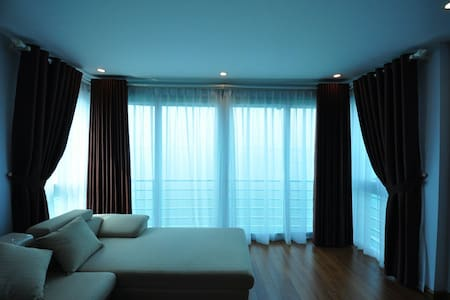 Cozy apartment with great lake view (6th floor) - Hanoi