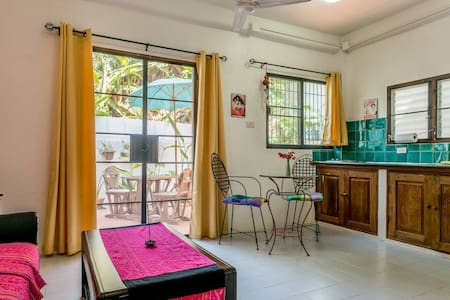*City Center: 2Br Apt in Old City* - Chiang Mai