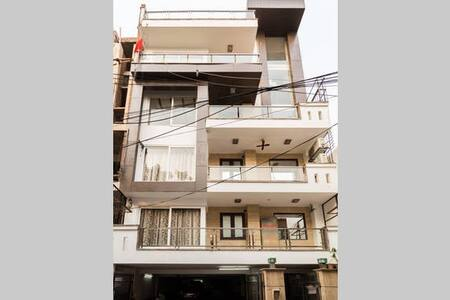 Hotel like stay in The Penthouse- Delhi North East - Apartment