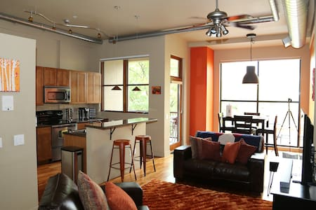 Well equipped & perfectly located! - Fort Collins