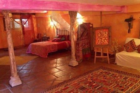 Fabulous room with Oriental Spirit - La Alcaidesa - Cabane