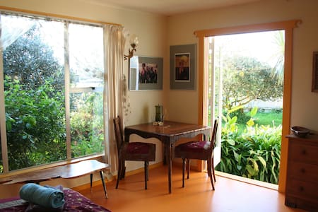 Sunny private room in Golden Bay - Takaka - Hus