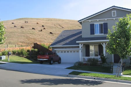 Sanctuary Valley in Rolling Hills - Casa