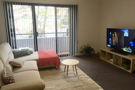 Room type: Entire home/apt Bed type: Real Bed Property type: Apartment Accommodates: 2 Bedrooms: 2 Bathrooms: 2
