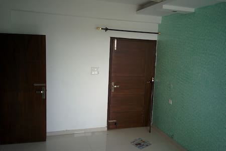 High rise private room at Zirakpur - Appartement